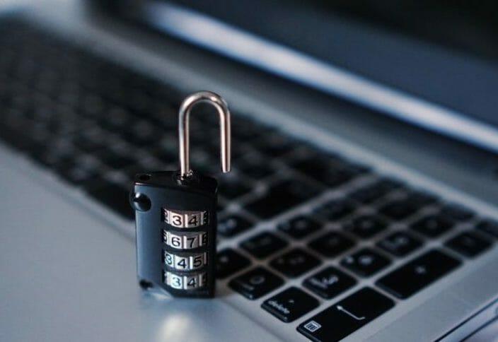 ¡CUIDADO! ¡Cada vez es más la información personal que depositamos en Internet!