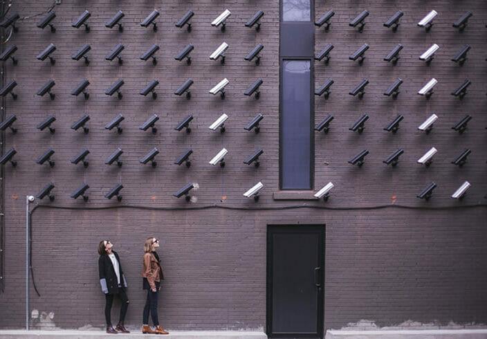 ¿Pueden las empresas controlar con cámaras a sus empleados? |