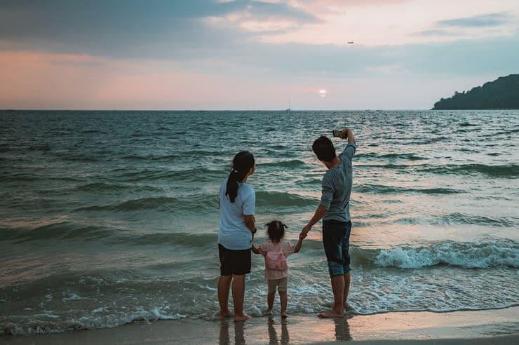 familia vacacionando una vez pagado la ley de segunda oportunidad